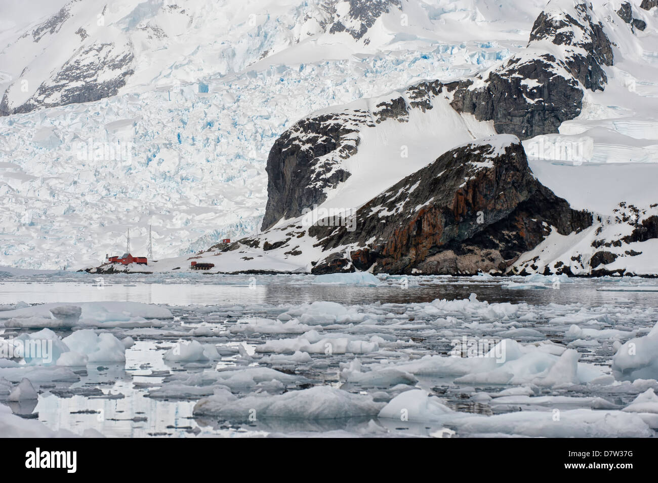 Bahia Paraiso (Paradise Bay), Almirante Brown Argentinean station, Antarctic Peninsula, Antarctica - Stock Image