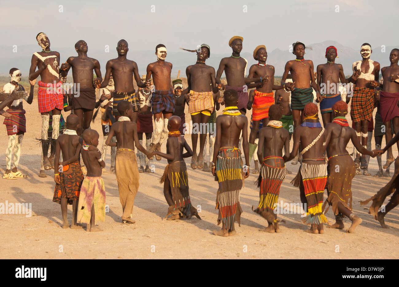 Nyangatom (Bumi) tribal dance ceremony, Omo River Valley, Ethiopia - Stock Image
