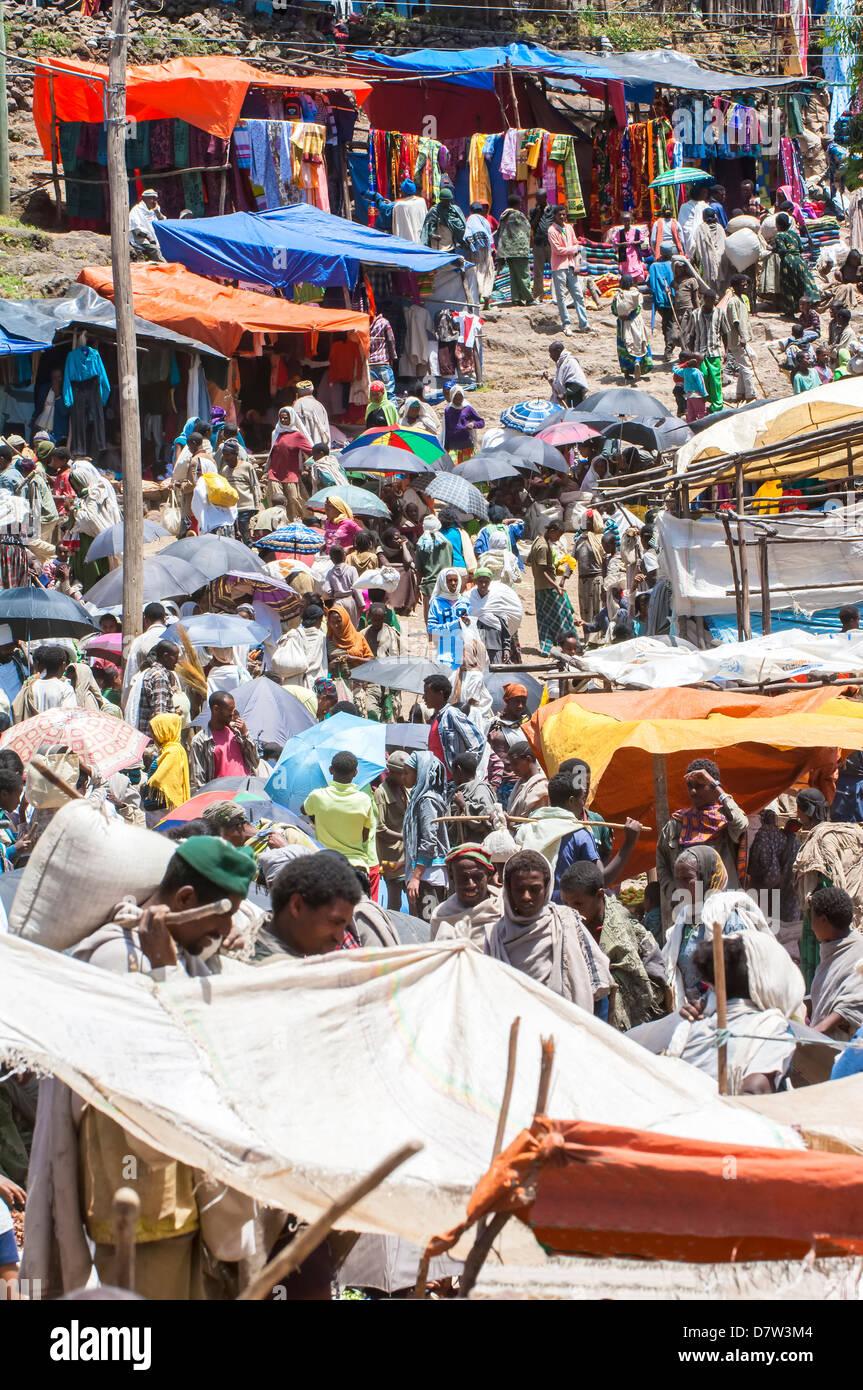 Crowded Lalibela market, Amhara region, Northern Ethiopia - Stock Image