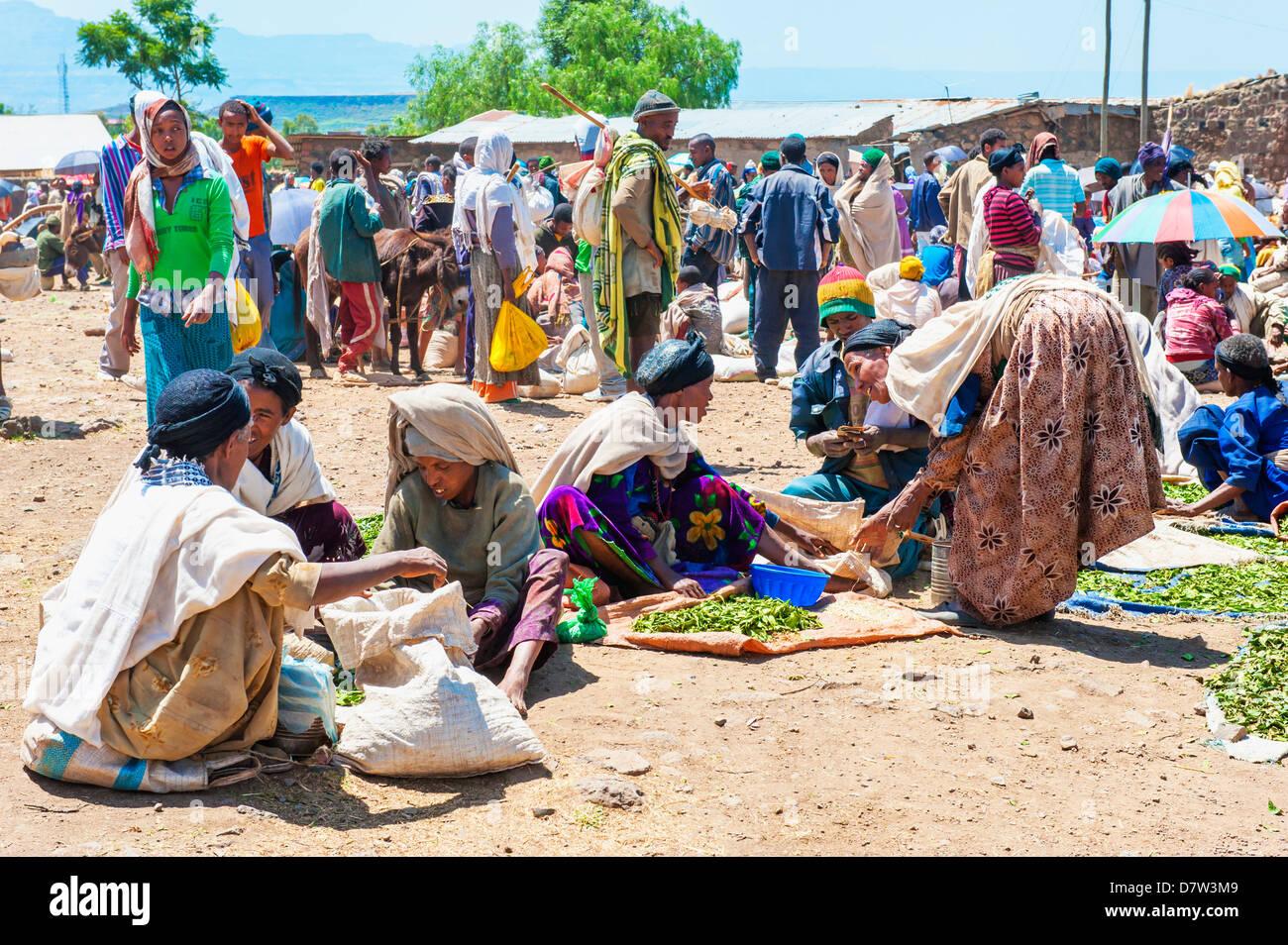 Women selling vegetables, Lalibela market, Amhara region, Northern Ethiopia - Stock Image