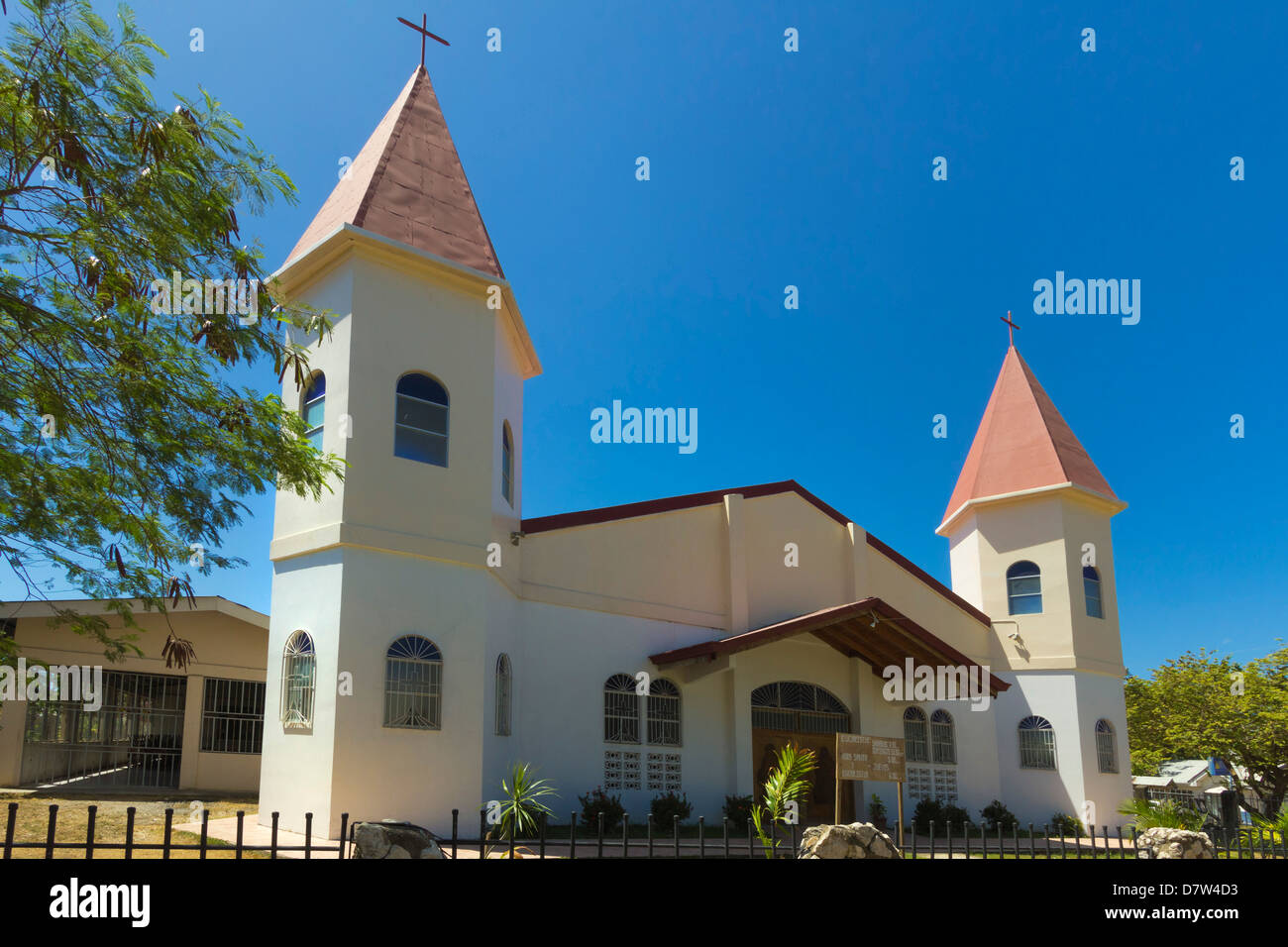 Twin-towered church in the centre of this laid-back village & resort, Samara, Guanacaste Province, Nicoya Peninsula, - Stock Image