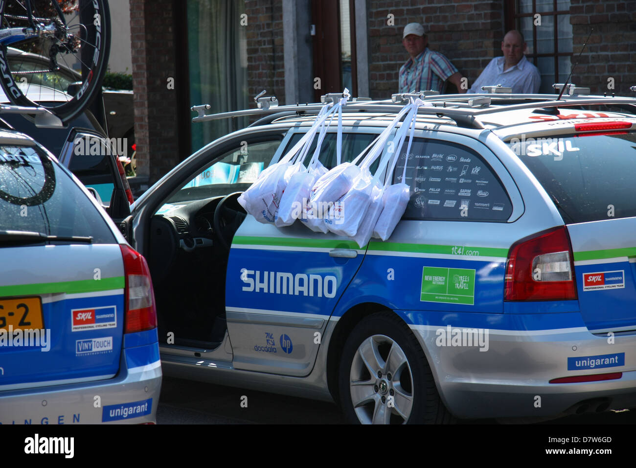 Skill Shimano team car with ravitaillement bags hanging on the door, ready for assistance to the riders. Fleche - Stock Image
