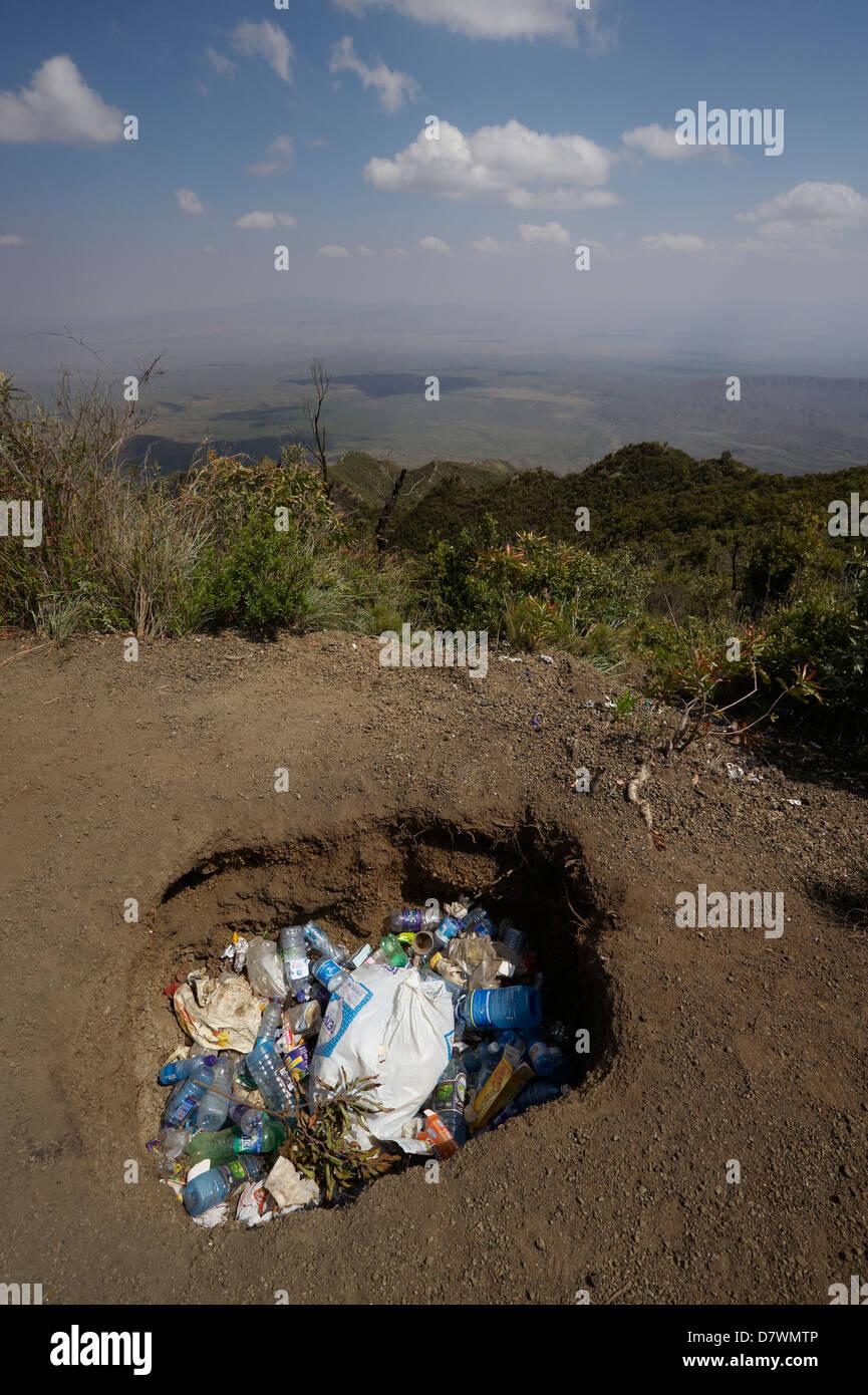 Rubbish left in rubbish pit at top of Mount Longonot, Mount Longonot National Park, Nakuru, Kenya - Stock Image