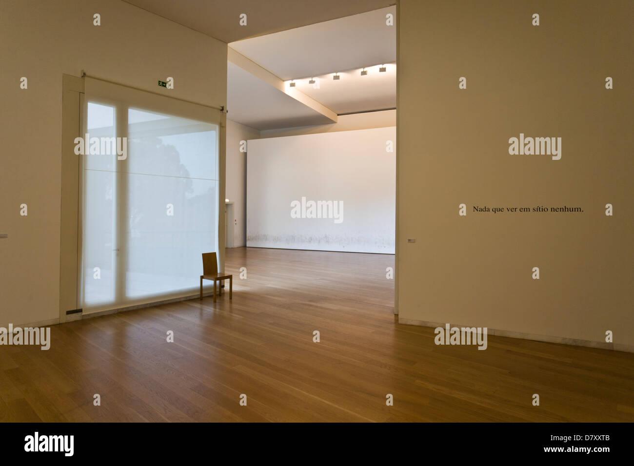 https://c8.alamy.com/comp/D7XXTB/interior-of-serralves-museum-in-porto-portugal-D7XXTB.jpg