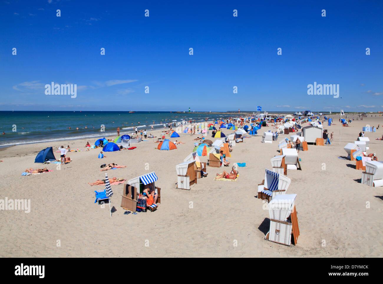 Beach in warnem nde rostock mecklenburg germany stock for Urlaub in warnemunde