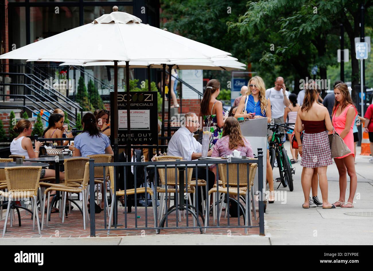 Sidewalk cafe, Newbury Street, Boston, Massachusetts - Stock Image
