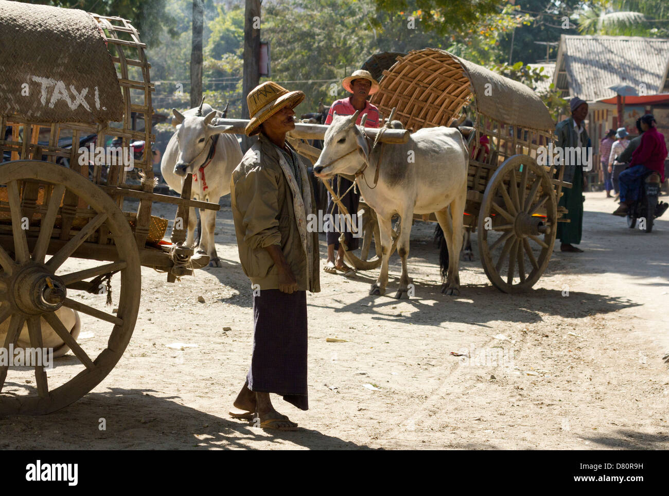 State-of-the-art Taxi service in Mingun, Myanmar 3 - Stock Image