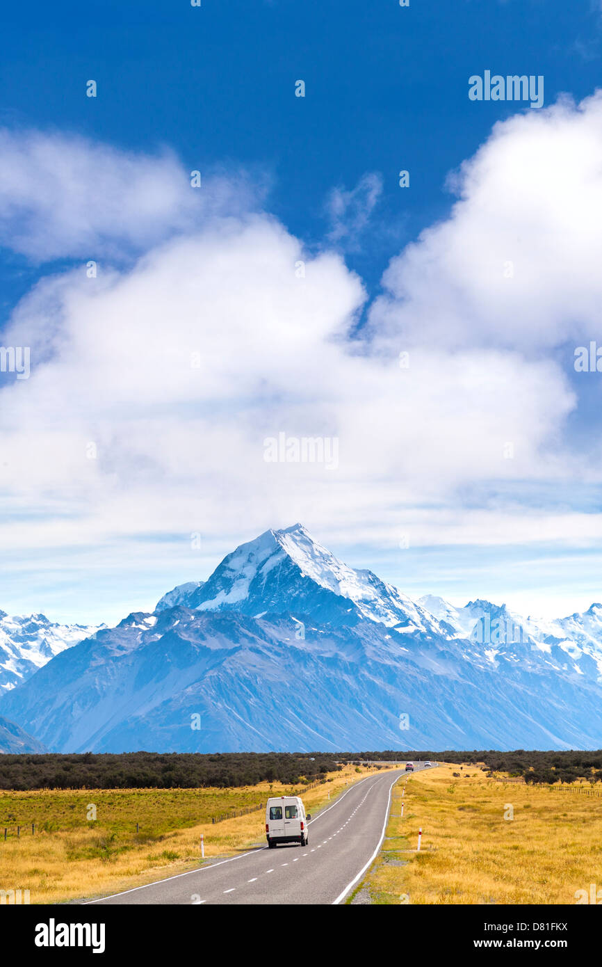 Mount Cook and Campervan - campervan on the road, heading towards Mount Cook, New Zealand's highest mountain. - Stock Image