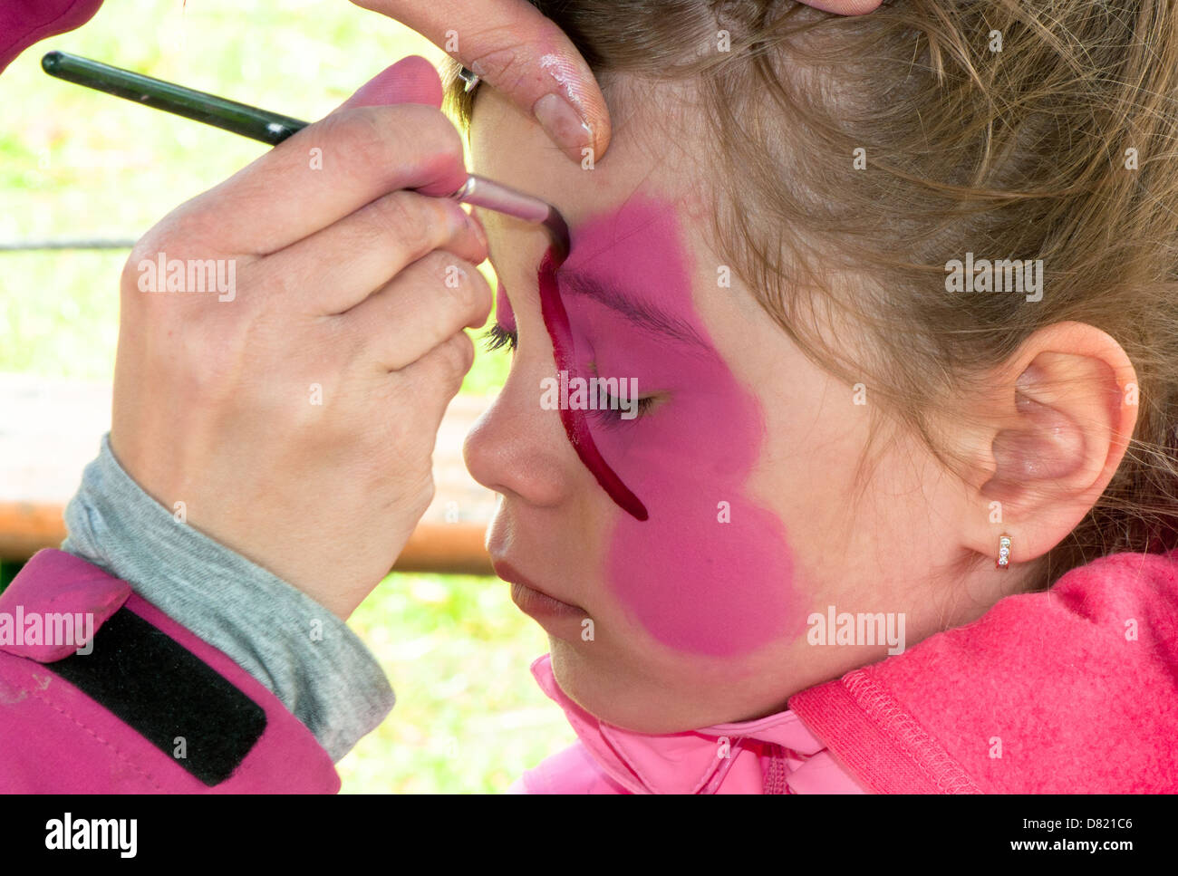 Artist, Creativity, Body Adornment, Body Paint, Caucasian, Child, Preschool, Childhood, Elementary Age, Face Paint, - Stock Image