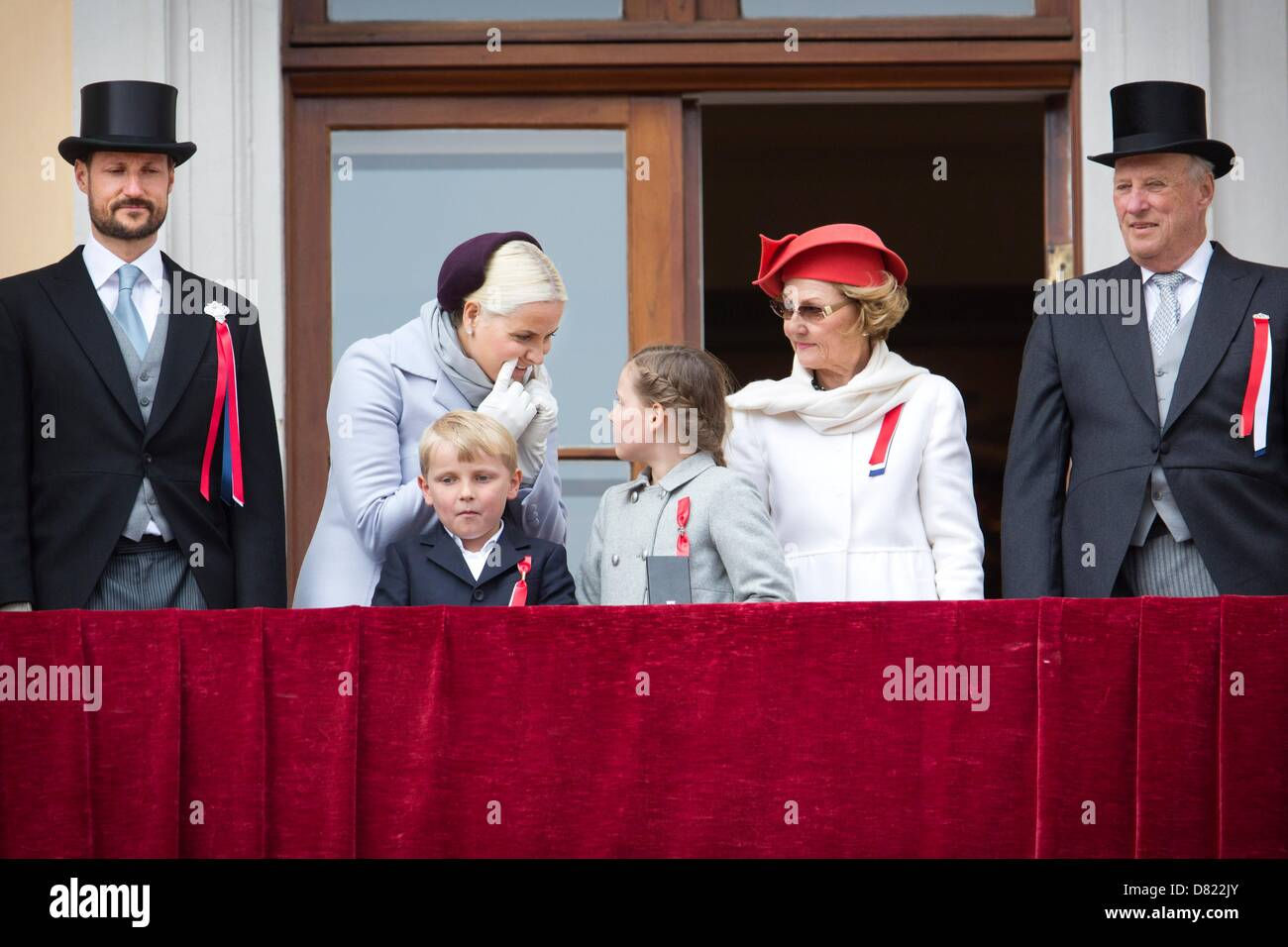 7514e202 Crown Prince Haakon, Crown Princess Mette-Marit, their children Prince  Sverre Magnus and Princess Ingrid Alexandra, Queen Sonja and King Harald  attend the ...