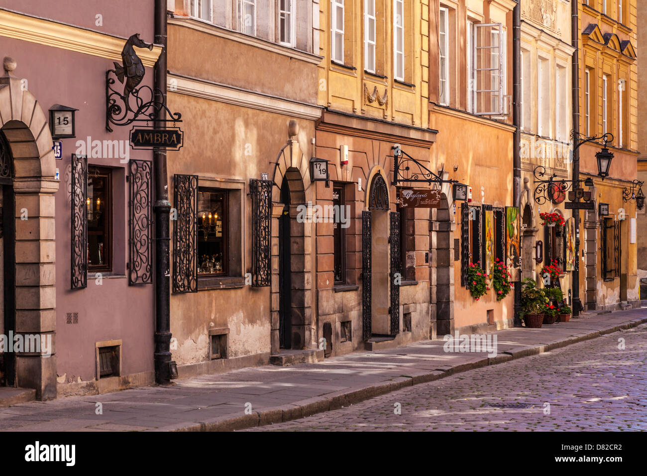 Small cobbled street off Stary Rynek (old market place), in the historic district of Stare Miasto (Old Town) in Stock Photo