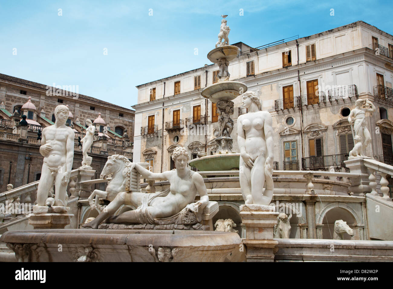 Palermo - Florentine fountain on Piazza Pretoria - Stock Image