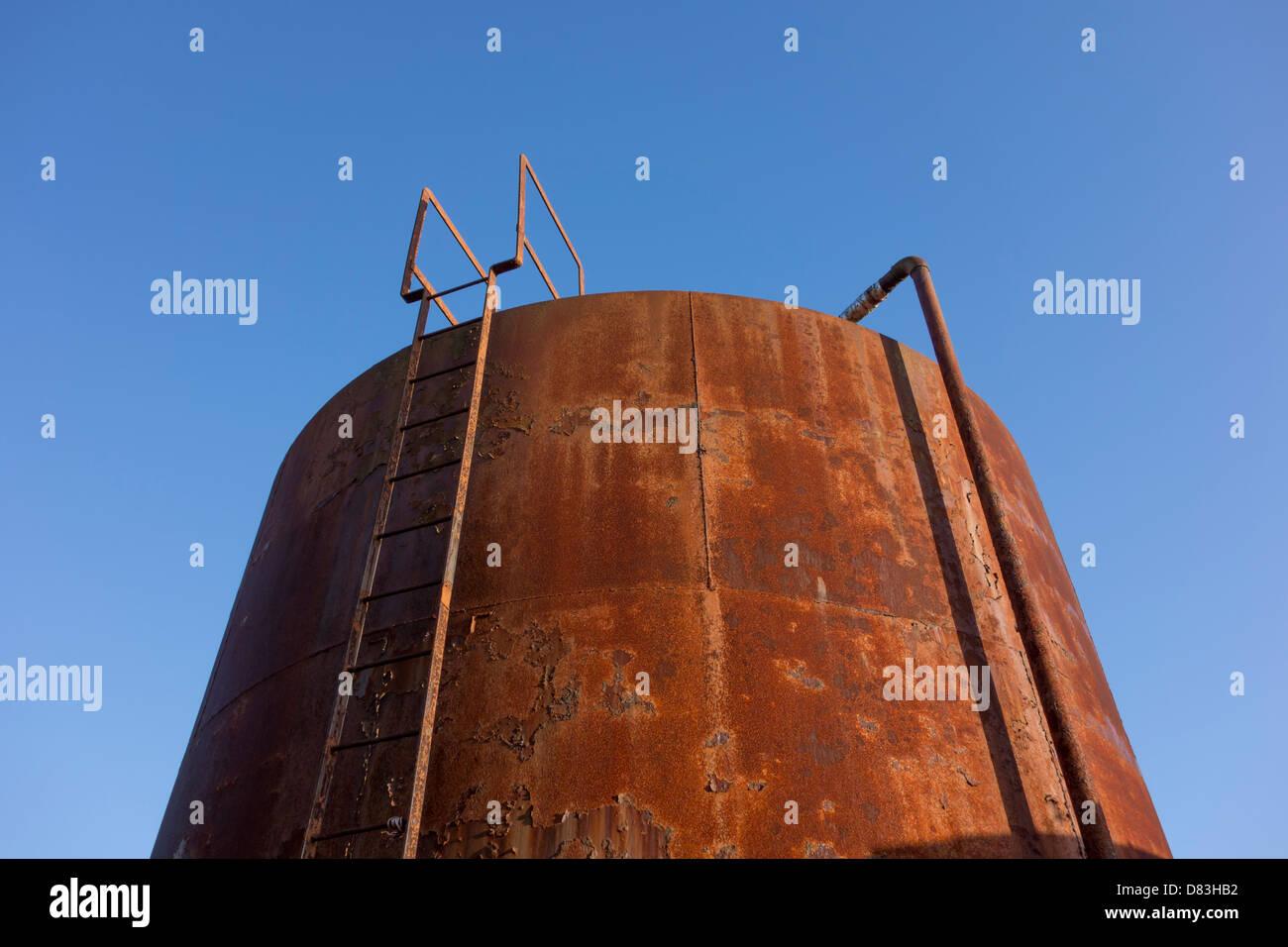 Old rusty water storage tank Stock Photo: 56627846 - Alamy