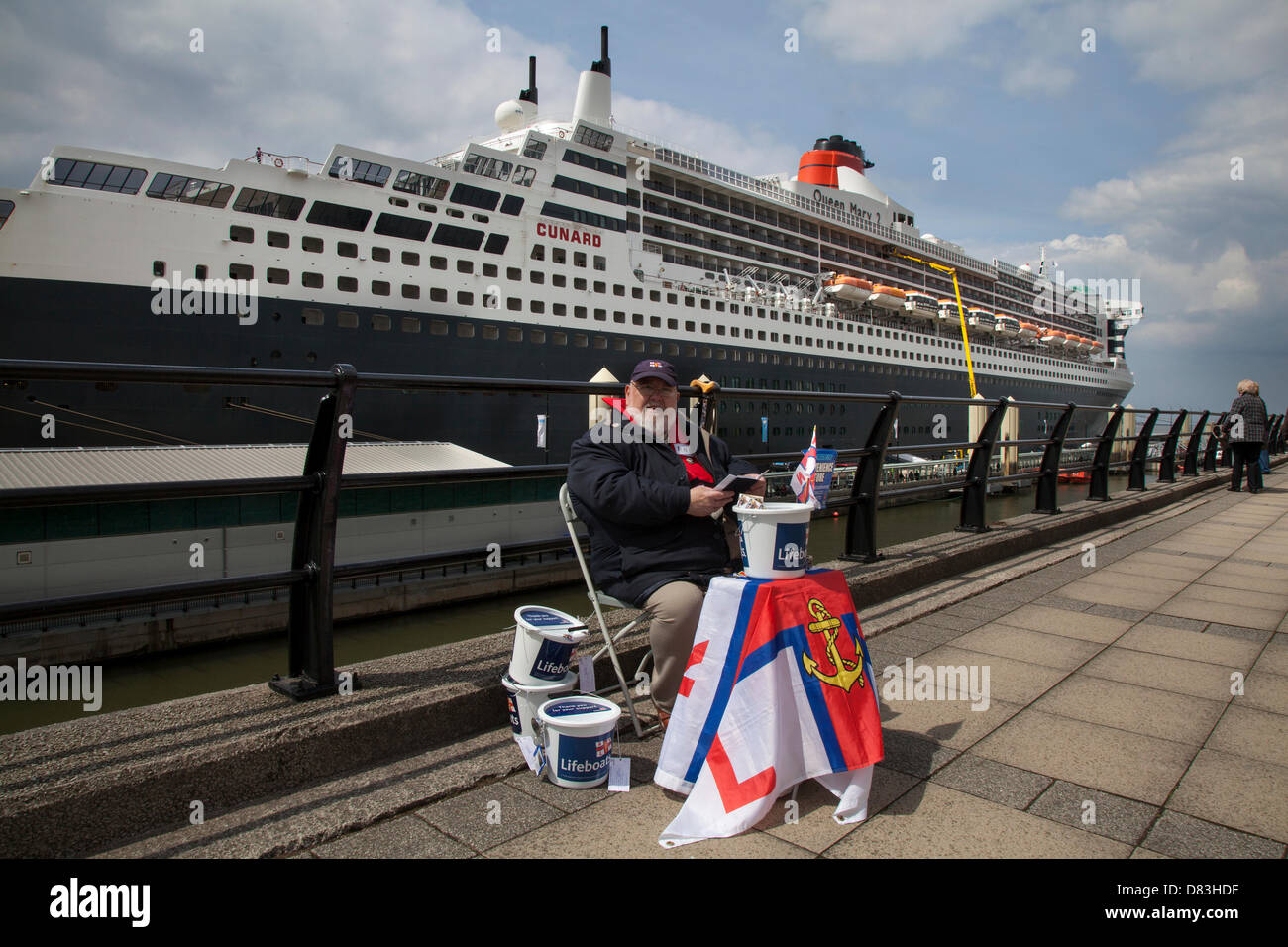 Liverpool, UK 17th May, 2013. Ray Roberts, from Edgehill collecting for RNLI Coastguard charity at the Cruise Liner - Stock Image