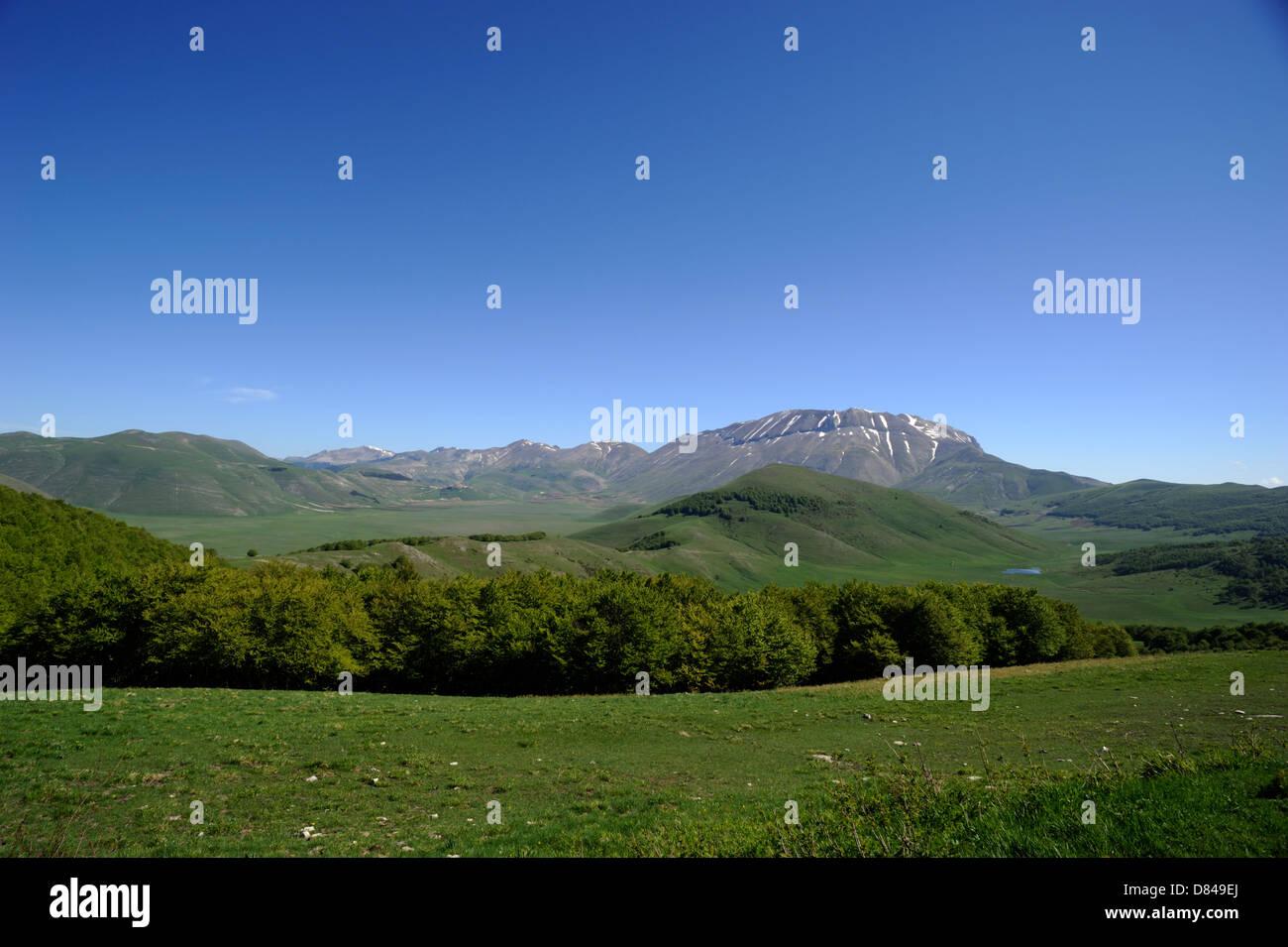 italy, umbria, monti sibillini national park, piano grande and monte vettore - Stock Image