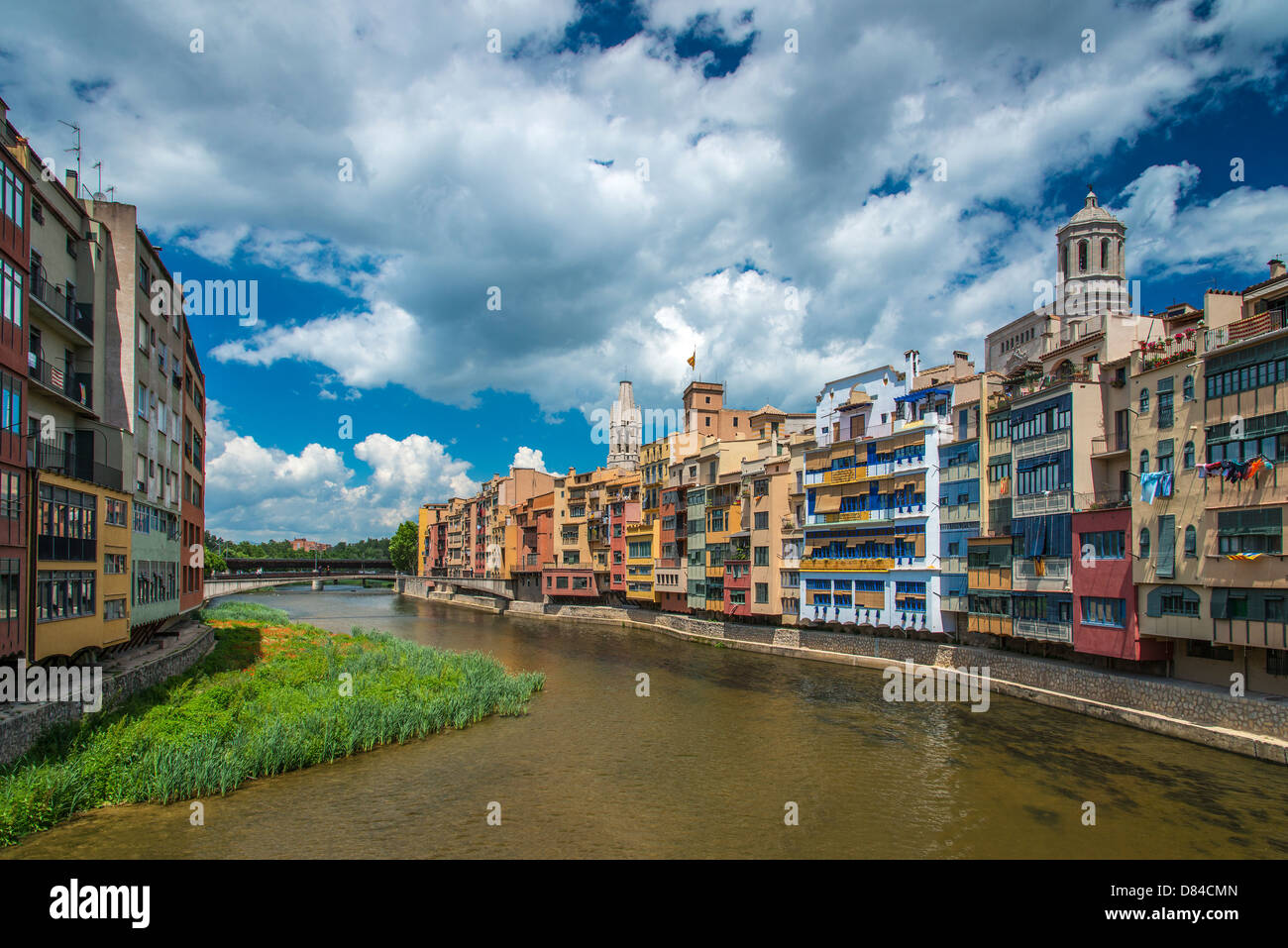 Colorful houses cling to the banks of River Onyar in Girona, Catalonia, Spain Stock Photo