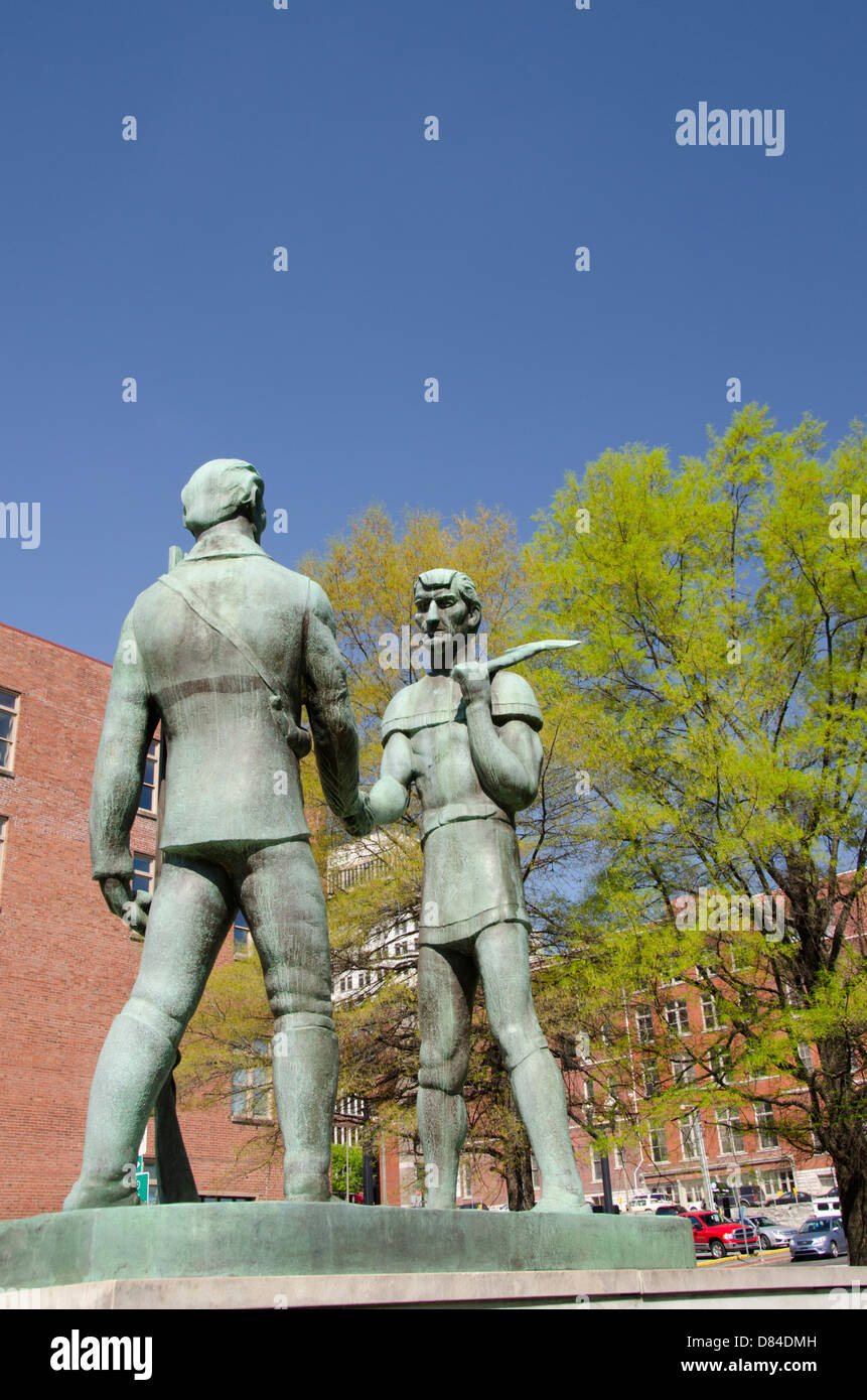 Tennessee, Nashville. The Founding of Nashville monument, with John Donelson (L) and James Robertson (R). - Stock Image