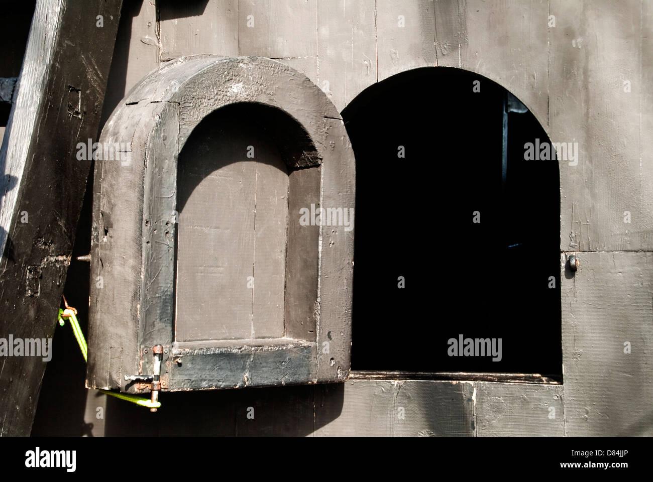 Ventana del camarote de un barco – Window of ship's cabin Stock Photo