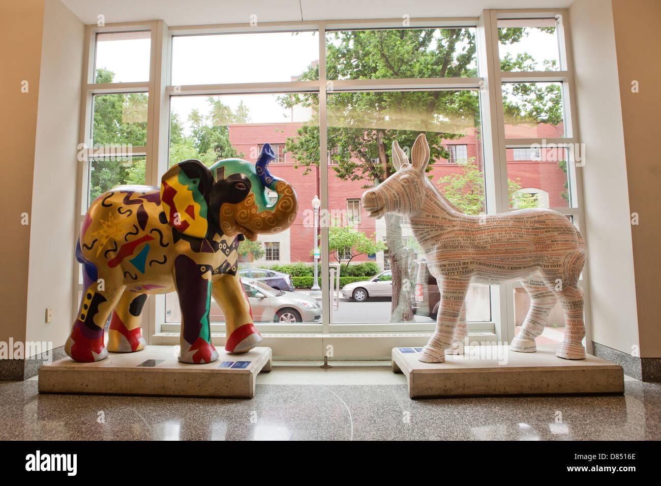 Democratic and Republican party mascots sculpture - Stock Image