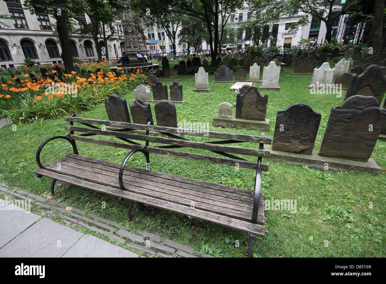 Trinity Church Cemetery Manhattan - Stock Image