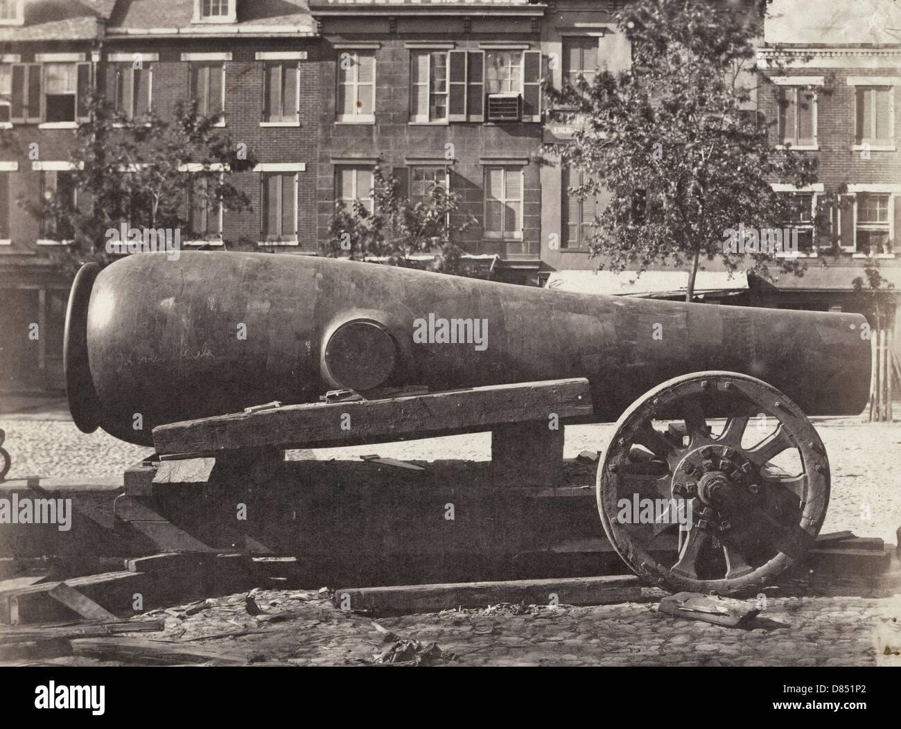 The 'Floyyd' gun: 15 inch, range 6 miles. A cannon called The Floyyd [i.e., Floyd] Gun, circa 1863 - Stock Image