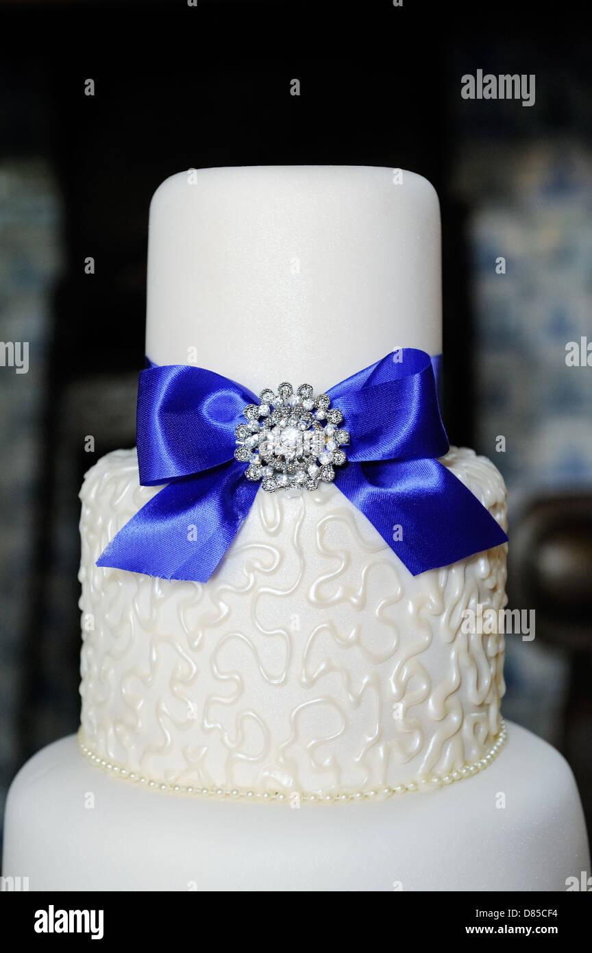White And Blue Wedding Cake Stock Photos & White And Blue Wedding ...