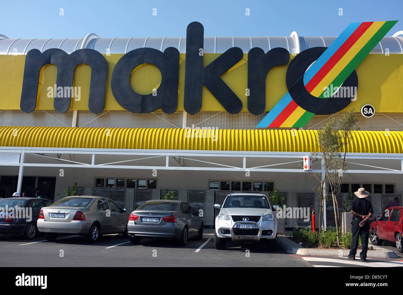 The front of a Makro supermarket shop in Johannesburg, South Africa. - Stock Image