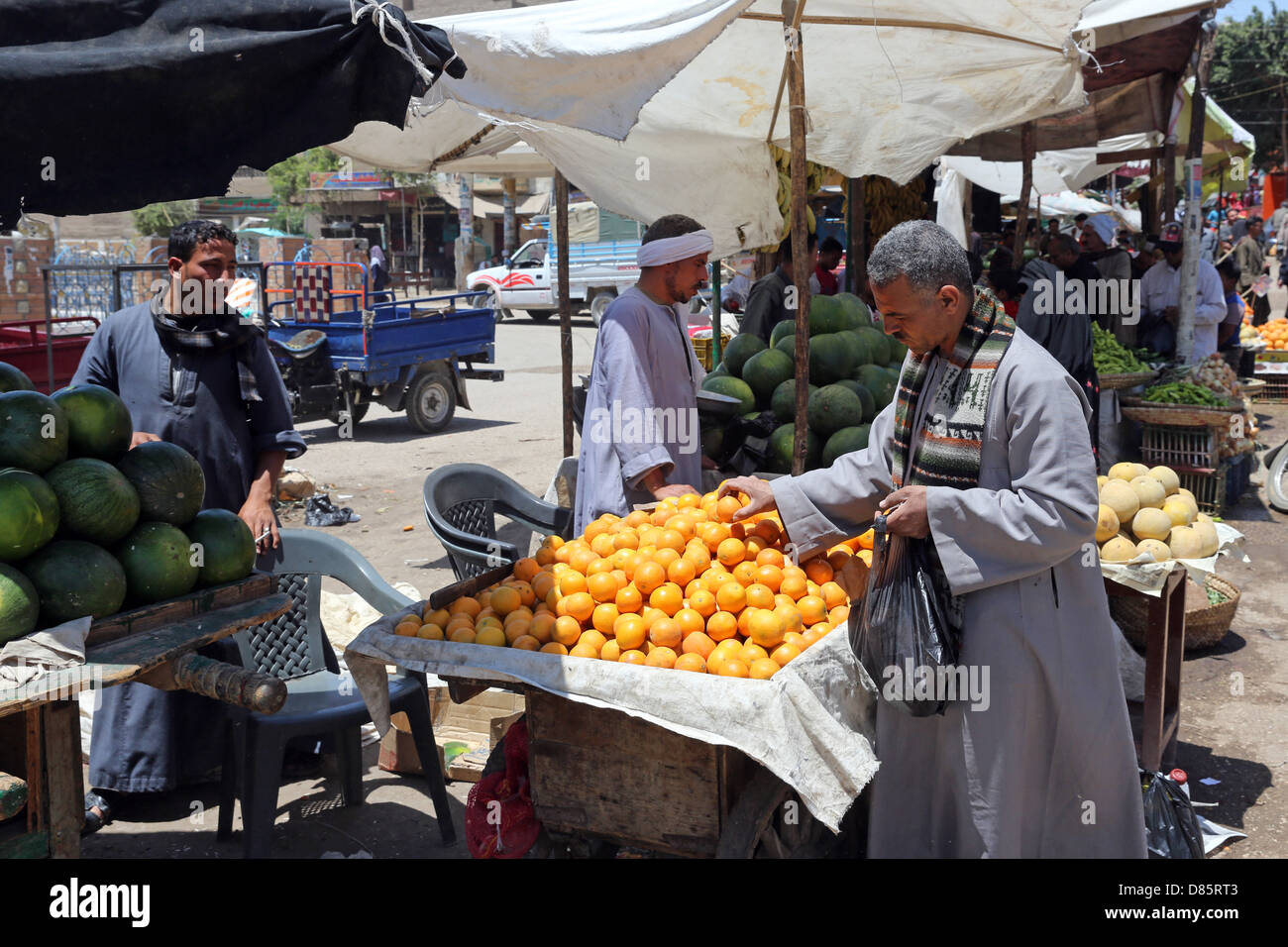 Market stall with fruits and vegetables in Al Ghanayem, Upper Egypt - Stock Image