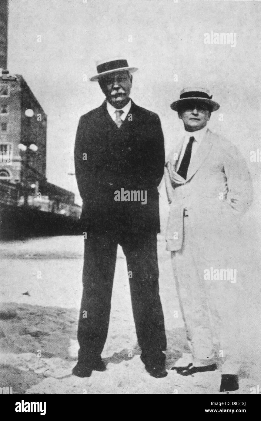 Sir Arthur Conan Doyle And Harry Houdini - Stock Image