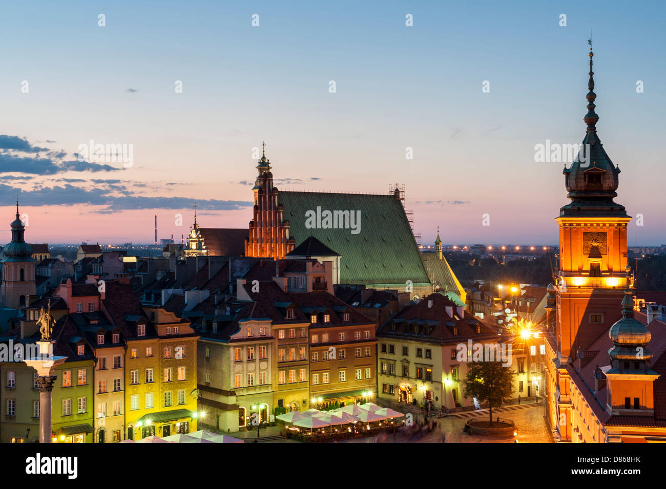 Night view of Royal Castle and Cathedra in Warsaw Poland - Stock Image
