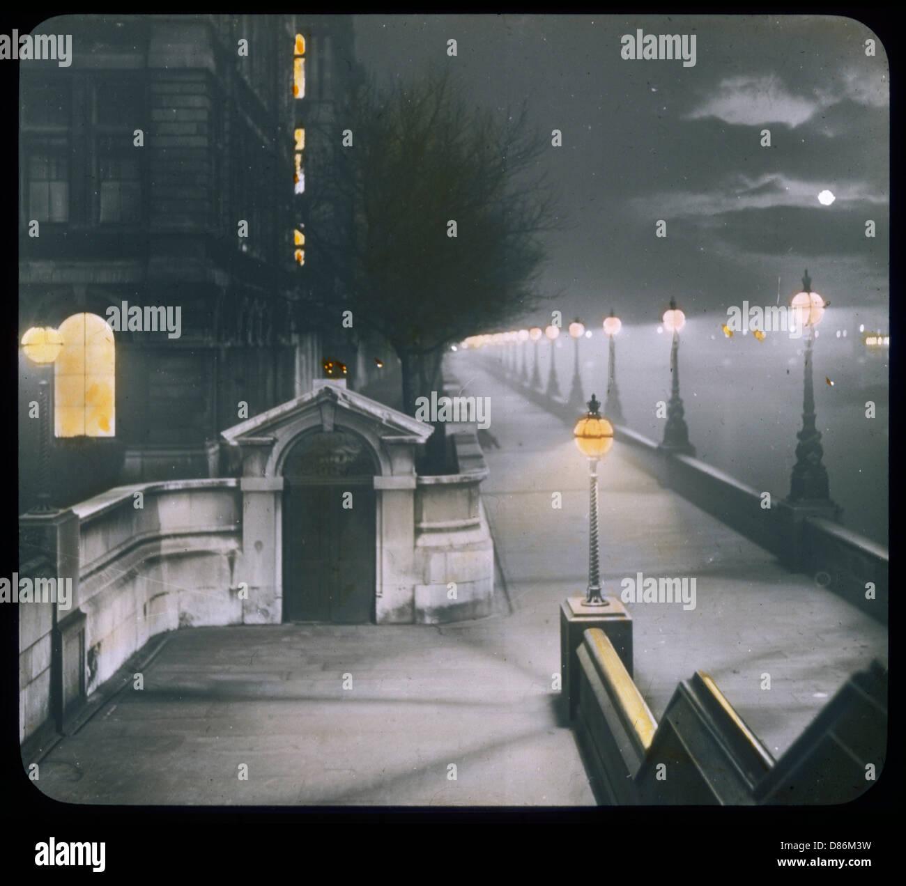 Vic Embankment Lantern - Stock Image