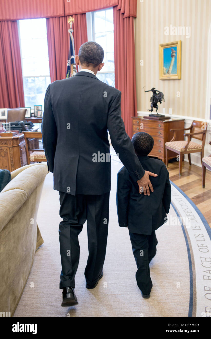US President Barack Obama welcomes Robby Novak, known as Kid President to the Oval Office, April 1, 2013 in Washington, - Stock Image
