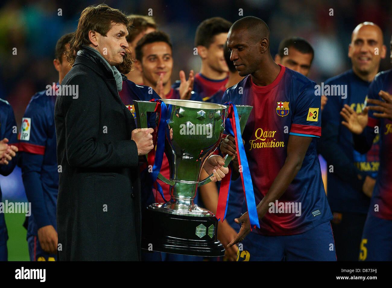 82f129946 Tito Vilanova coach (FC Barcelona) presents with Eric Abidal (FC Barcelona)  La