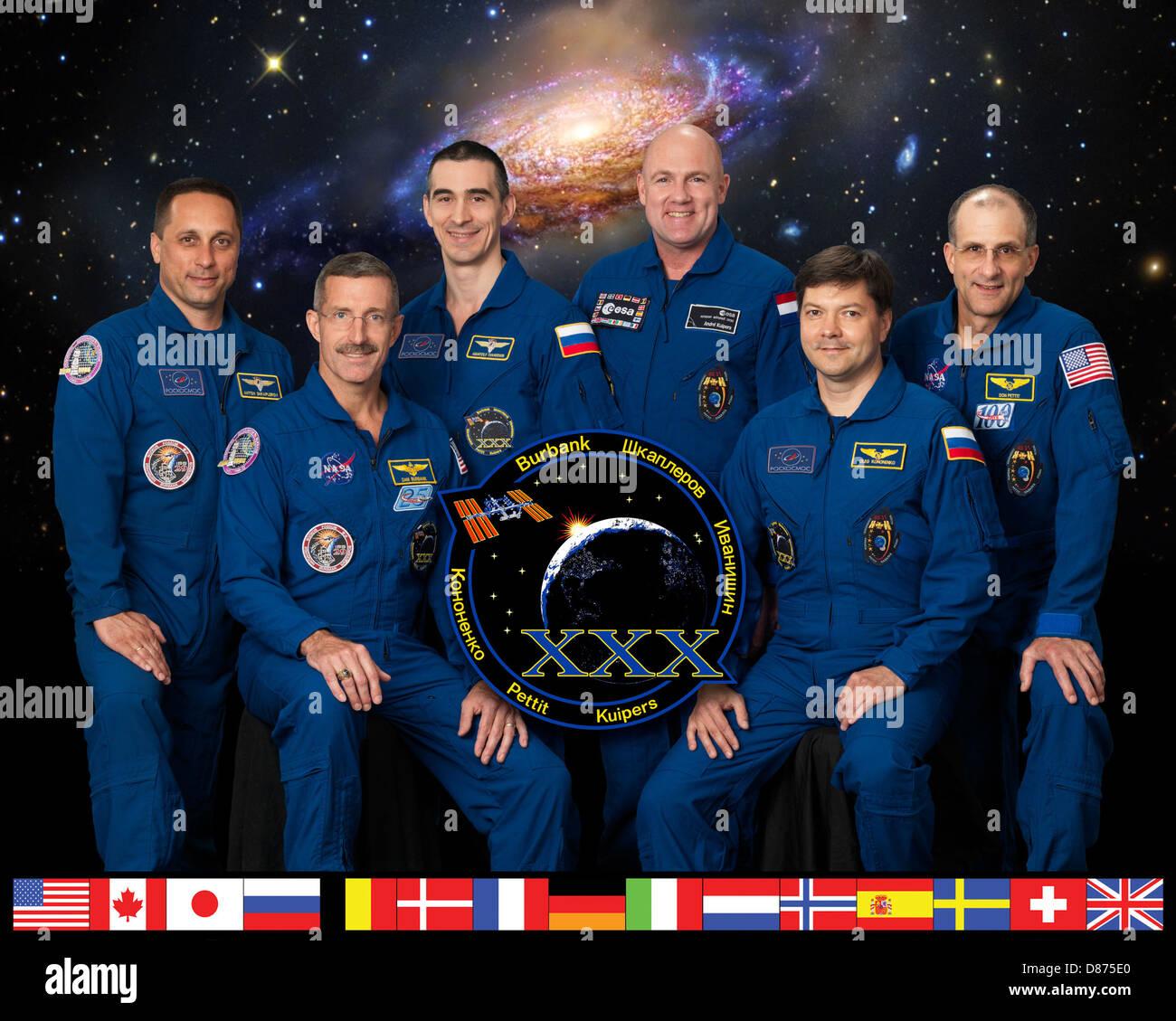 Expedition 30 crew portrait.jpg - Stock Image