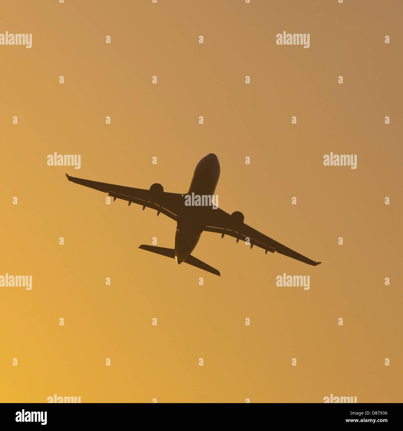 Germany, Baden Wuerttemberg, Stuttgart, Aeroplane flying against sky - Stock Image