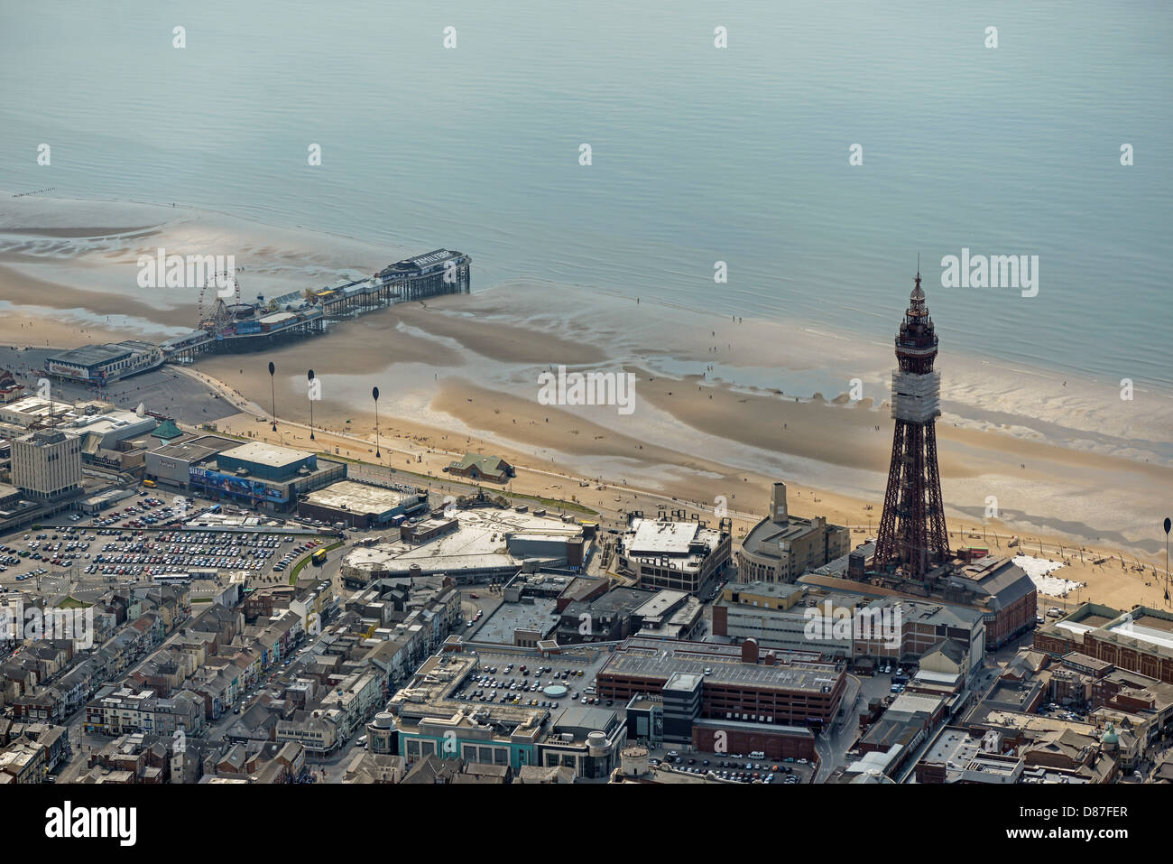 Aerial photograph of Blackpool Tower and Central Pier - Stock Image
