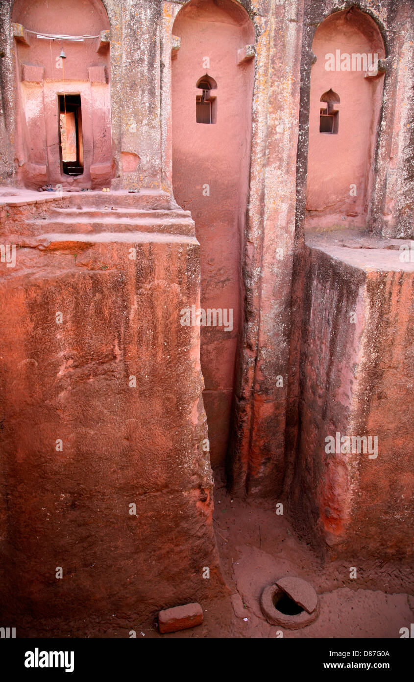 Church carved from pink stone in Lalibela, Ethiopia - Stock Image