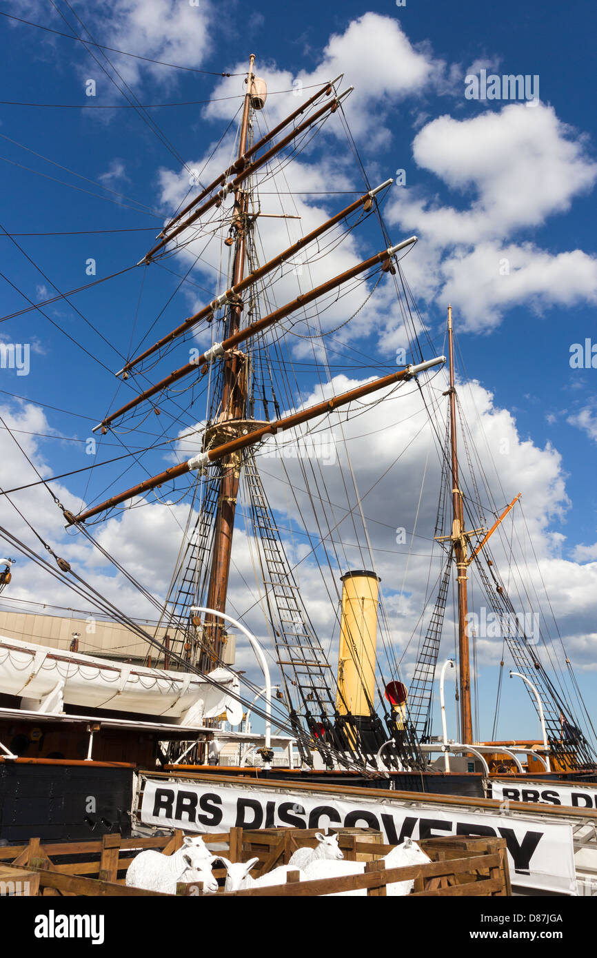 RRS Discovery at 'Discovery Point' Dundee Scotland. Polar exploration ship - Stock Image