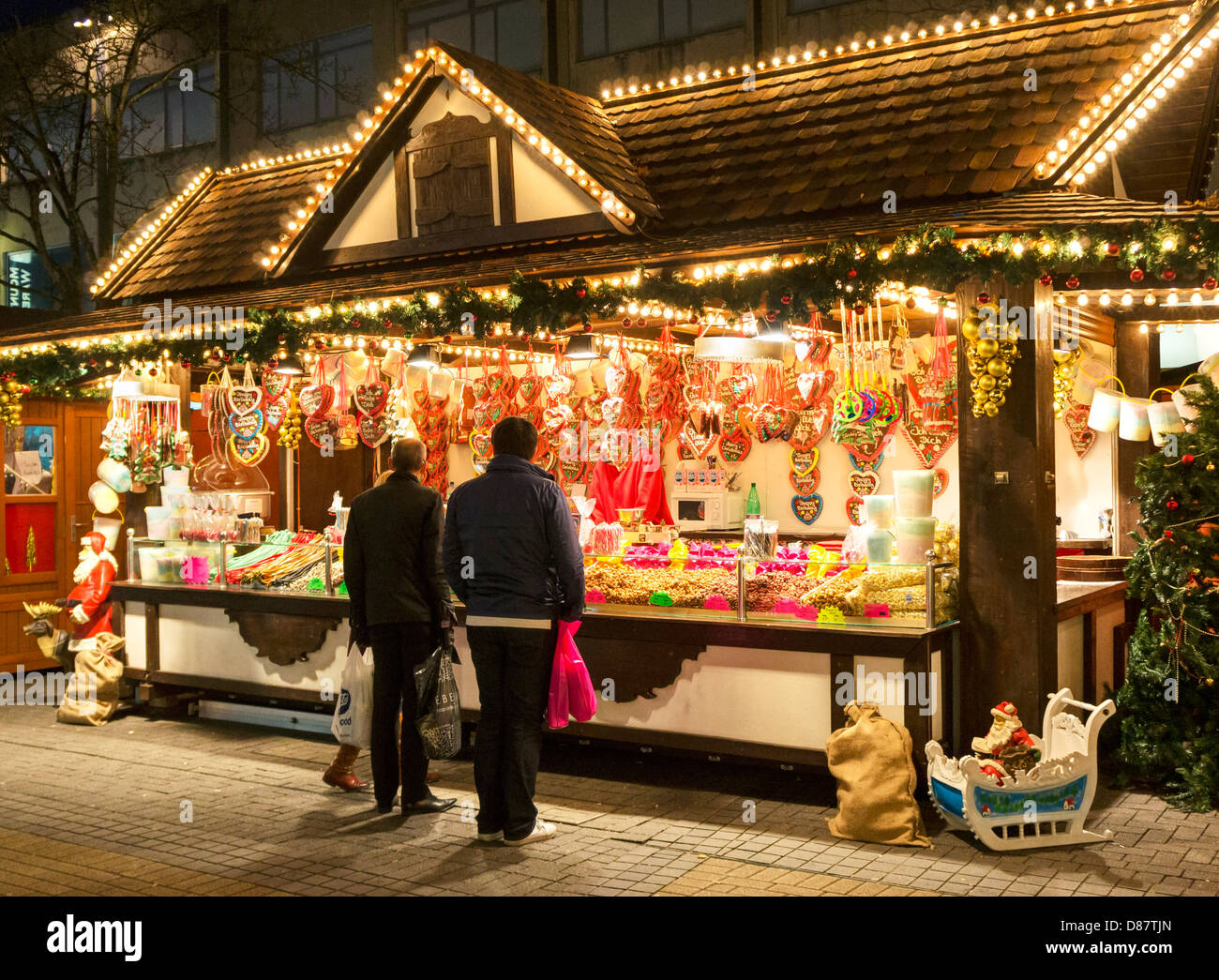 Christmas Market Stalls High Resolution Stock Photography And Images Alamy