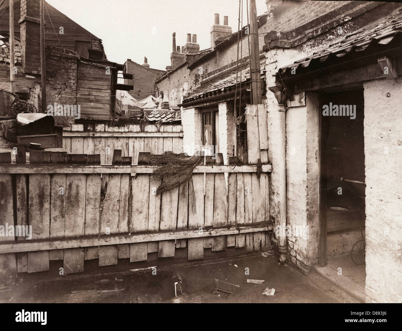 Back Yard Limehouse Slum - Stock Image