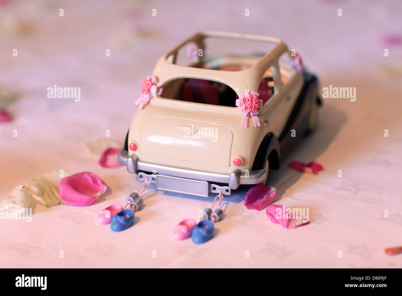 Just Married Car Cans Stock Photos & Just Married Car Cans Stock ...
