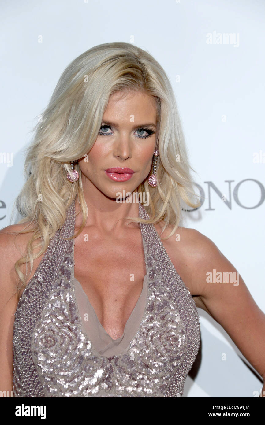 Return theme Victoria silvstedt nu for support
