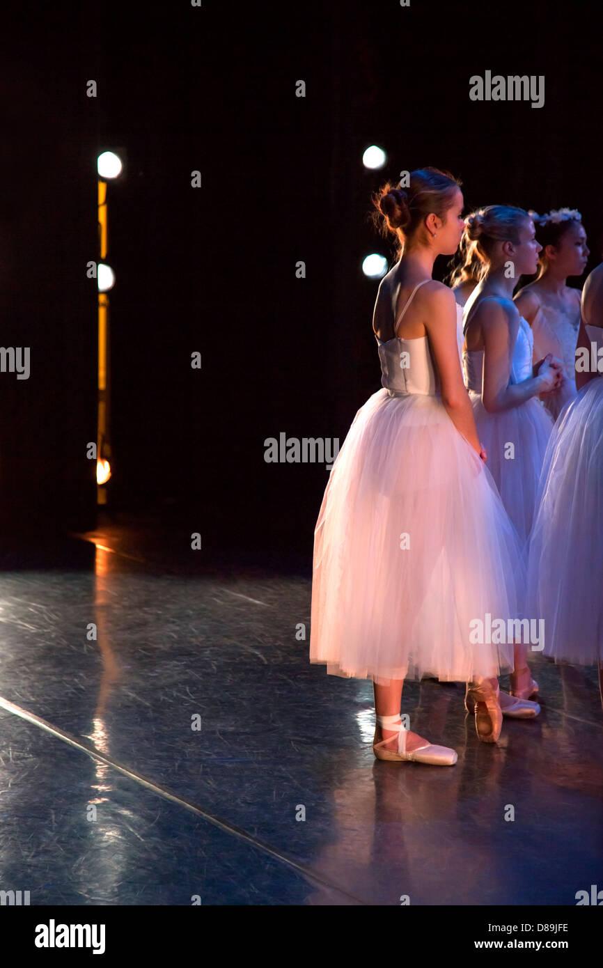 Various ballerinas backstage - Stock Image