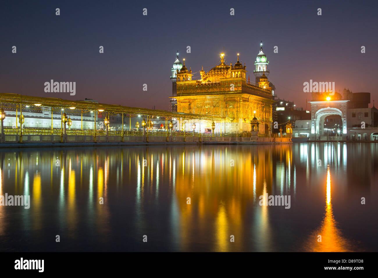 golden temple amritsar night stock photos & golden temple amritsar