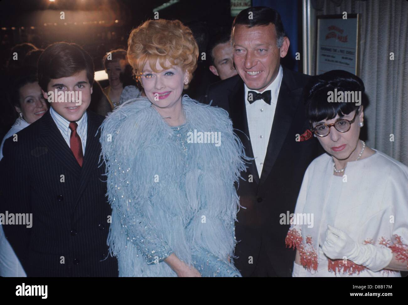 edith-head-with-lucille-ball-and-family-
