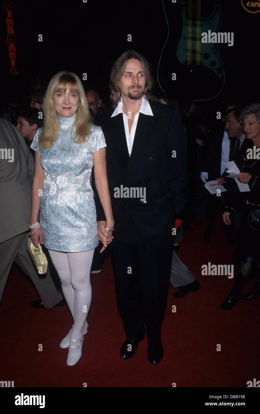 GLENNE HEADLY with husband at the SGT. BILKO premiere 1996.k4392fb.(Credit Image: © Fitzroy Barrett/Globe Photos/ZUMAPRESS.com) - Stock Image