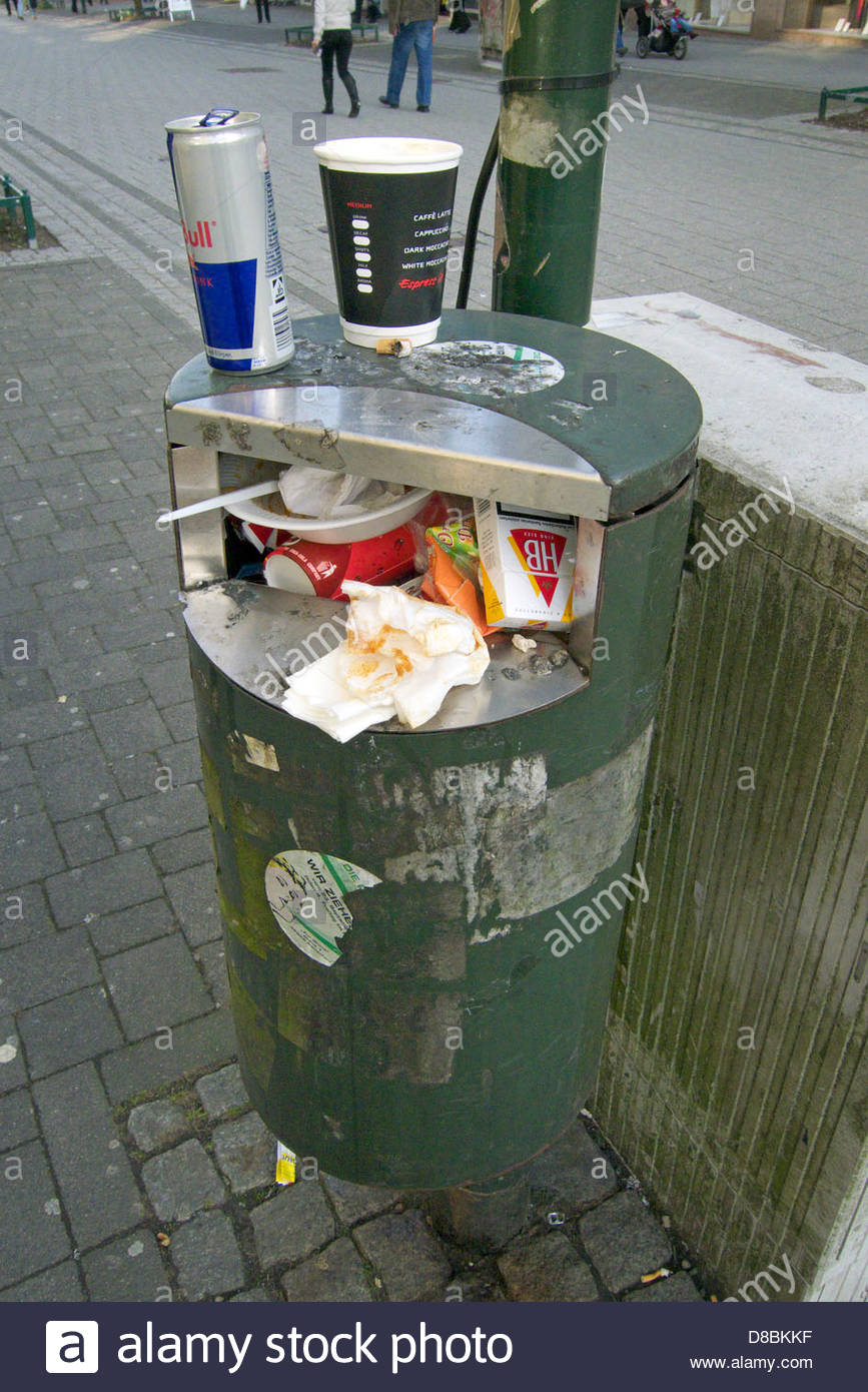 Garbage bin in the street, Remscheid, North Rhine-Westphalia, Germany - Stock Image