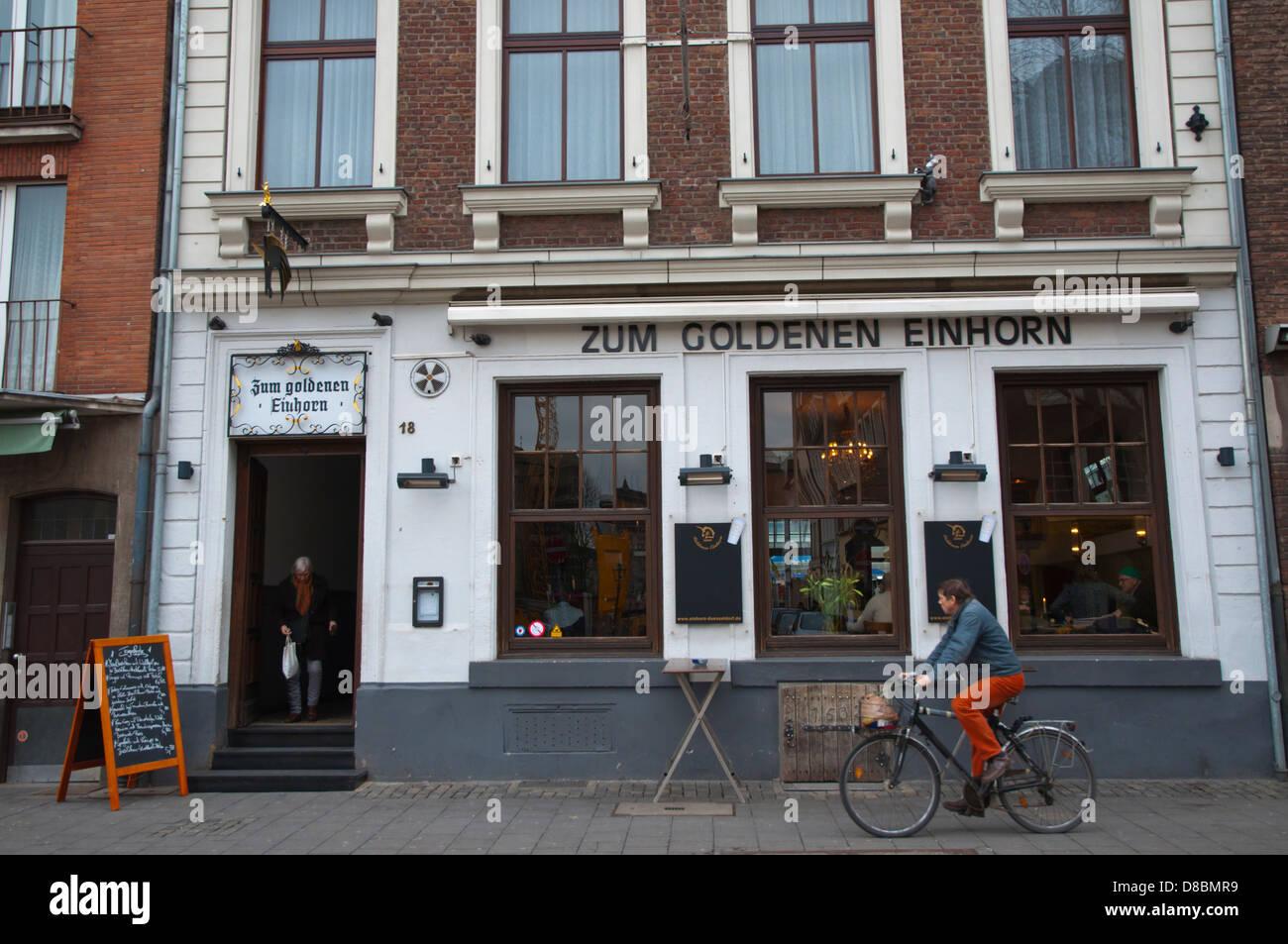 Einhorn Düsseldorf zum goldenen einhorn restaurant exterior altstadt the town stock