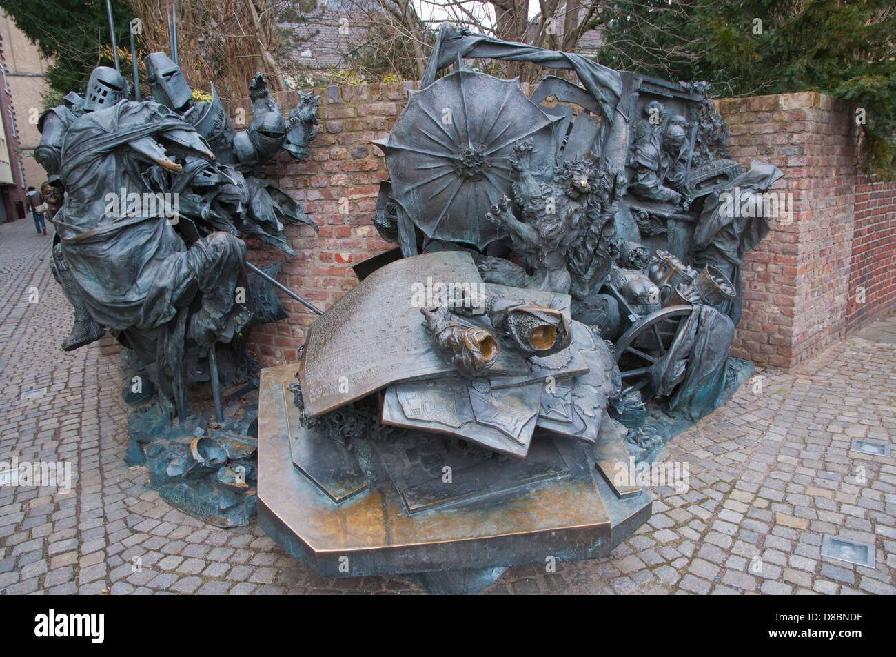 City Monument by Bert Gerresheim at Burgplatz square Altstadt old town Dusseldorf city North Rhine Westphalia region - Stock Image