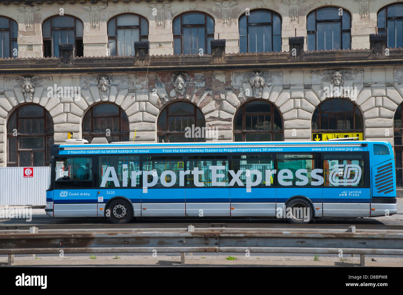Railway stations, airports, bus stations: a selection of sites